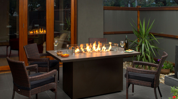 Regency PTO30IST Contemporary Outdoor Gas fireplace firetable
